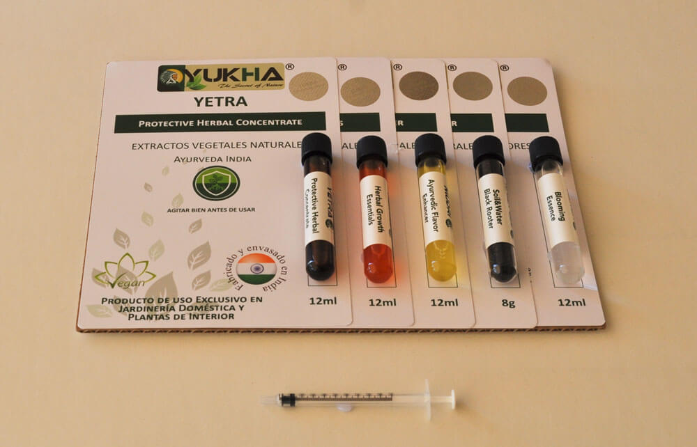 9- In the C. Ayurveda Pack you will find a 1mL syringe that you can use to measure product volumes to prepare your applications: